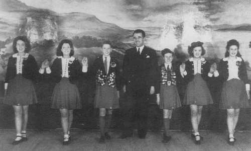 Irish Dancing - Allgemeines: Geschichte - Kleidung